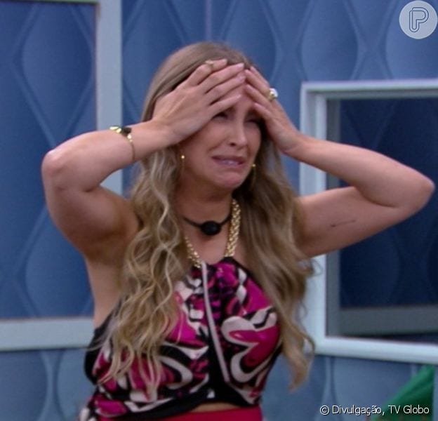 Carla Diaz volta do quarto secreto.