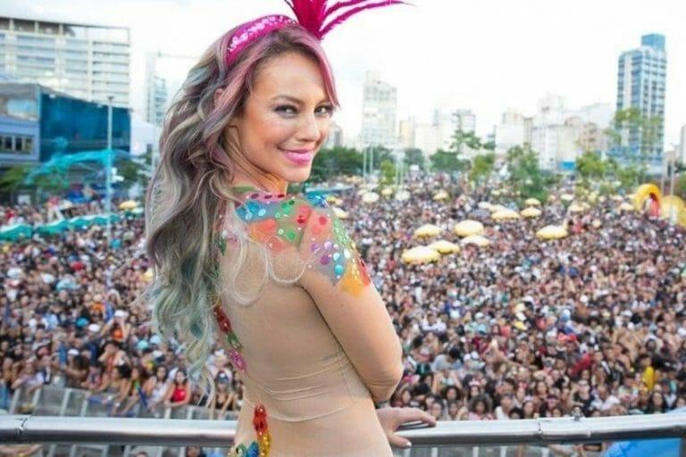 Paolla Oliveira está confirmada no carnaval 2022.