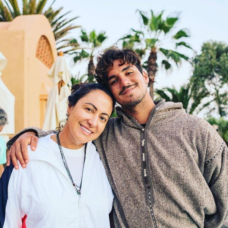 Mãe de Gabriel Medina envia carta pedindo para que ele procure a irmã