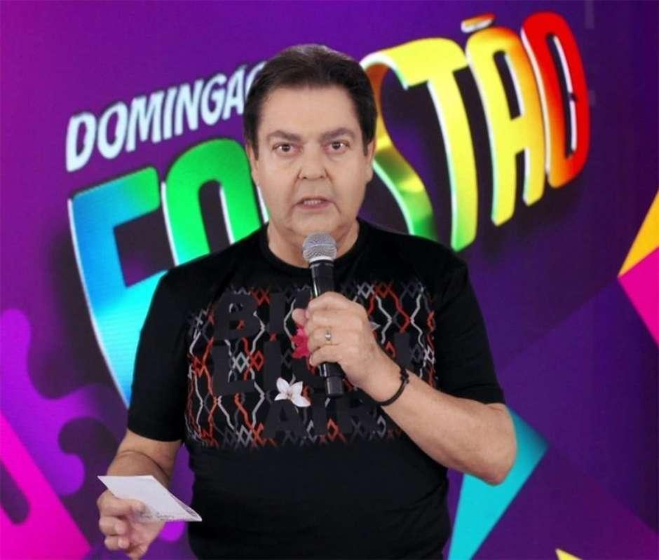 Fausto Silva embolsa salário milionário mesmo fora da Globo.